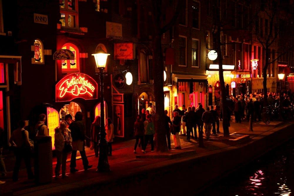 Colas el locales del barrio rojo de amsterdam