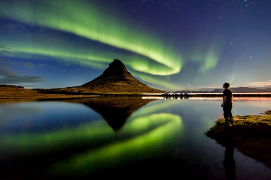 Viendo las auroras boreales en suecia