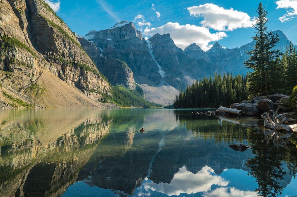 Ruta por las montañas rocosas de Canadá