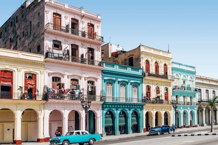 Viajar barato a Cuba